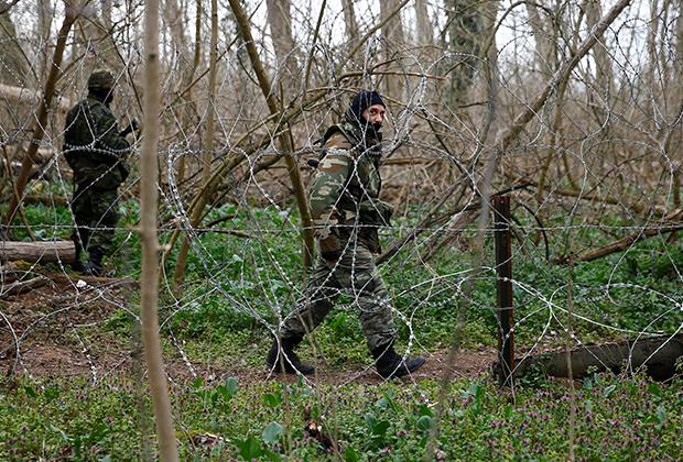 Солдаты армии Греции на границе с Турцией