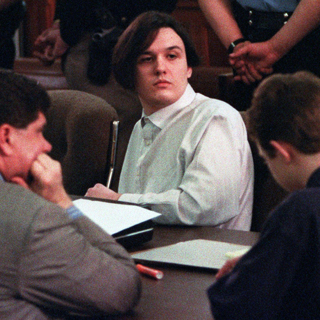 Дэмьен Эколс на суде в 1994 году