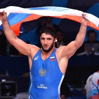 Олимпийский чемпион из России посмеялся над вызовом американского борца: Бокс и ММА
