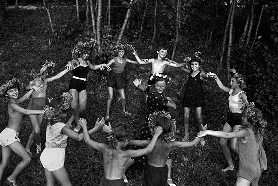 1983 год. Детский праздник в пионерском лагере в Подмосковье