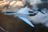 Пусть не самое дорогое, зато новейшее изобретение корпорации Gulfstream — это модель G700, которая заявлена как крупнейший бизнес-джет в мире. По заверениям производителя, у частного самолета самый широкий, длинный и высокий салон, способный вместить 19 пассажиров в сидячем и 10 — в лежачем положении. Внутри расположена столовая на шесть мест, которая может служить не только обеденным местом, но и конференц-залом для переговоров. <br></br> Помимо этого, G700 оснащен циркадной системой освещения, поддерживающей биологические ритмы человека и имитирующей закат и рассвет, мягкими просторными креслами, которые могут превращаться в полноценную кровать, и спальней с гардеробом и душевой.