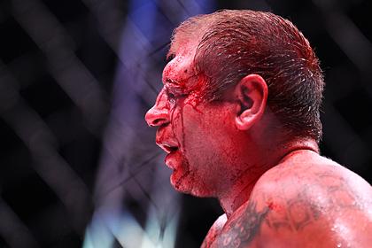 Российский боец MMA рассказал о выпивавшем до боя с Иcмаиловым Емельяненко