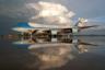 Самым дорогостоящим самолетом в мире по праву считается принадлежащий президенту США Air Force One. На деле это сильно модифицированный под нужды главы государства Boeing 747-200B, обозначающийся как VC-25A.  <br></br> И хотя технически наименование Air Force One применяется к самолету, только когда на борту находится лидер государства, этот термин нередко используется для обозначения VC-25. Но если в самолете перемещается первая леди или вице-президент, а не сам глава США, лайнеру присваивается кодовое обозначение Air Force One Foxtrot.