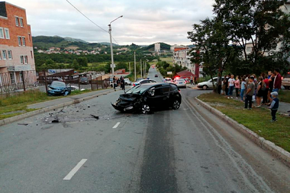 Пьяный россиянин угнал машину, устроил ДТП и травмировал троих детей