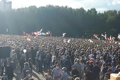 Названо число участников «крупнейшего митинга оппозиции в истории Белоруссии»