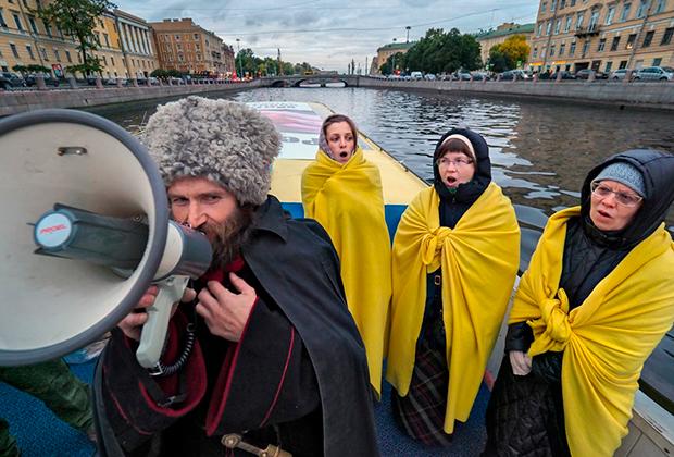 Крестный ход по рекам и каналам Санкт-Петербурга в поддержку общероссийского сбора подписей за запрет абортов