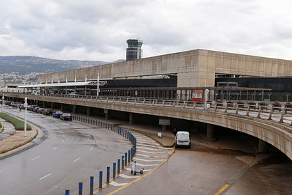 Мощный взрыв в Бейруте повредил международный аэропорт