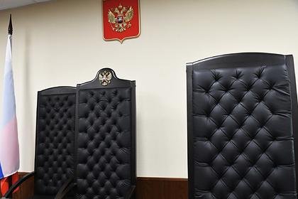 Россиянку через суд лишили входной двери в квартиру
