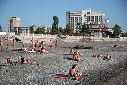 В Абхазии отели начали отказывать в брони после открытия для россиян