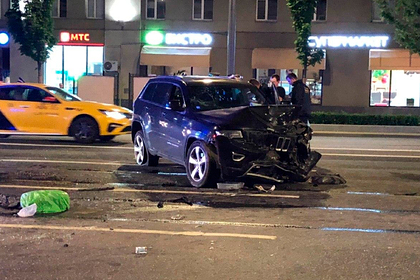 В машине Ефремова после смертельного ДТП нашли следы неизвестного человека