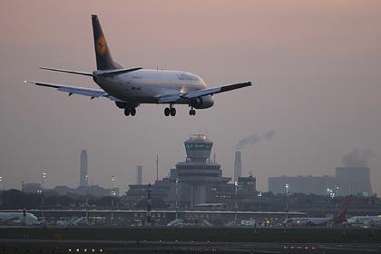 Пассажирам дали советы на случай драки на борту самолета во время пандемии