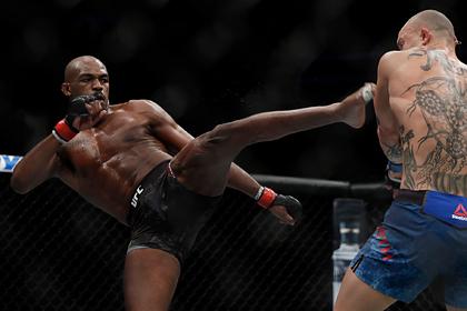 Лучший боец UFC сохранил титул чемпиона
