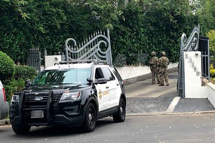 В дом популярного блогера пришли сотрудники ФБР с обыском