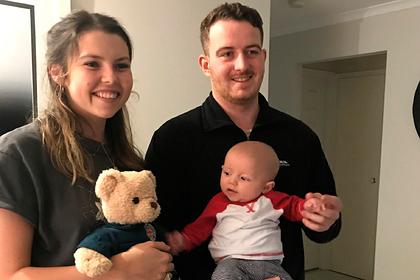 Не знавшая о беременности путешественница внезапно родила ребенка