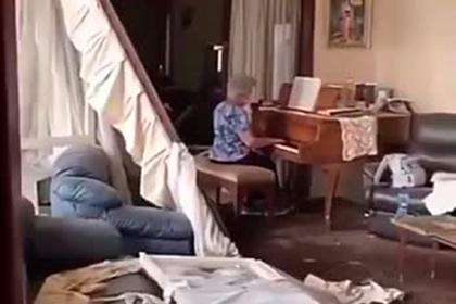 Самая красивая женщина в мире показала видео из разрушенного дома в Бейруте