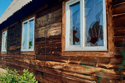 Россиянин попытался ограбить не оплатившего проезд пассажира и разбил ему окна