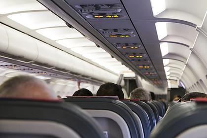Раскрыта правда о запрете откидывать спинки кресел в самолете