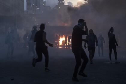 Военные вытеснили протестующих из здания МИД в Бейруте