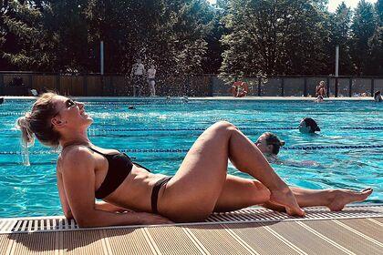 Российская девушка-боец ММА попозировала в купальнике и взволновала фанатов