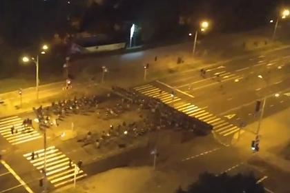 Силовики начали разгон протестующих в Минске
