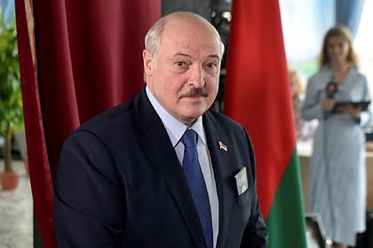 Лукашенко пообещал ответить майдану