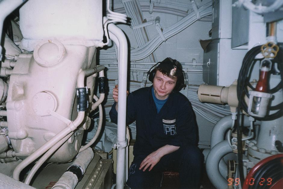 Старший лентенант Максим Рванин, инженер электротехнической группы электромеханического дивизиона АПРК «Курск»