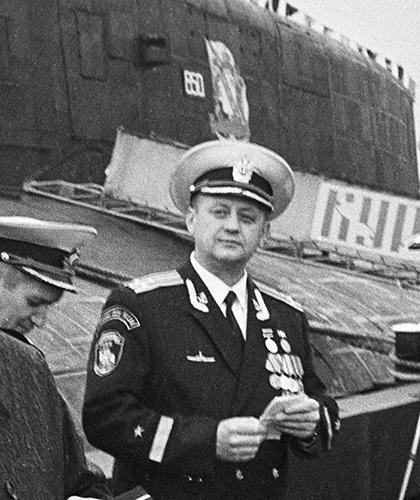 Командир «Курска», капитан Iранга, Герой России Геннадий Лячин. Видяево, октябрь 1999 года
