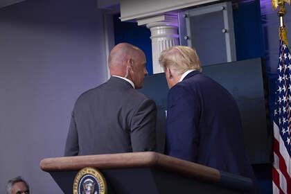 Дональд Трамп и его охранник