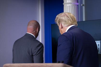 Сотрудник секретной службы США и Дональд Трамп