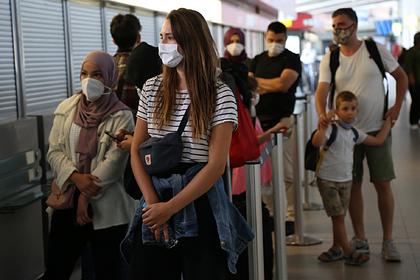 Авиакомпании ограничили провоз ручной клади нарейсах вТурцию