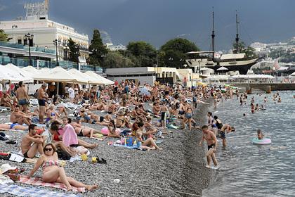 Россиянки раскрыли отношение к мужчинам с «пузом» на пляжах