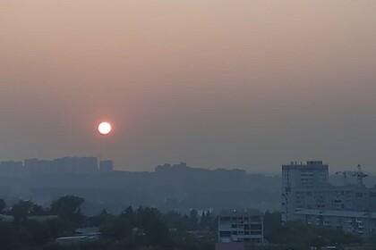 Дым от лесных пожаров накрыл российский город