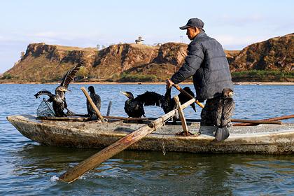 У берегов России много лет находят лодки с мертвецами. Кто эти люди и почему они гибнут?