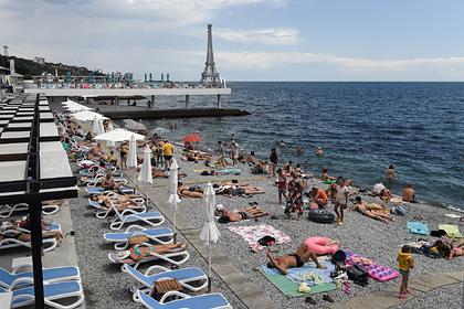 Россияне в Крыму открестились от мер безопасности словами «вирус пройдет мимо»