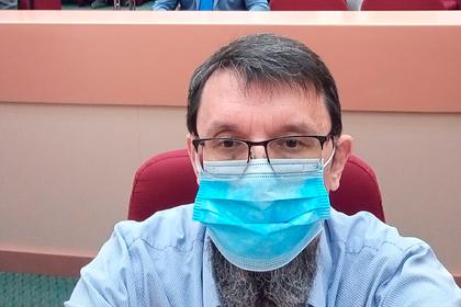 Борющийся за культуру российский депутат получил штраф за мат на заседании