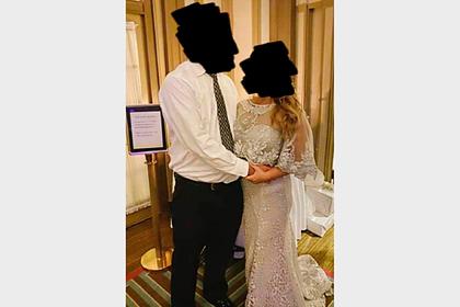Мачеху раскритиковали за попытку перещеголять невесту в белом платье на свадьбе
