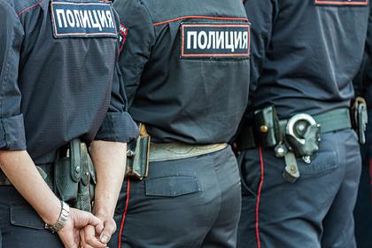 Российских полицейских задержали прямо в отделе из-за вымогательства