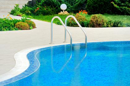 Четырехлетний ребенок умер во время купания в бассейне в Турции