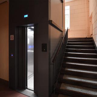 Россиянка отсудила больше шести миллионов рублей зашумный лифт
