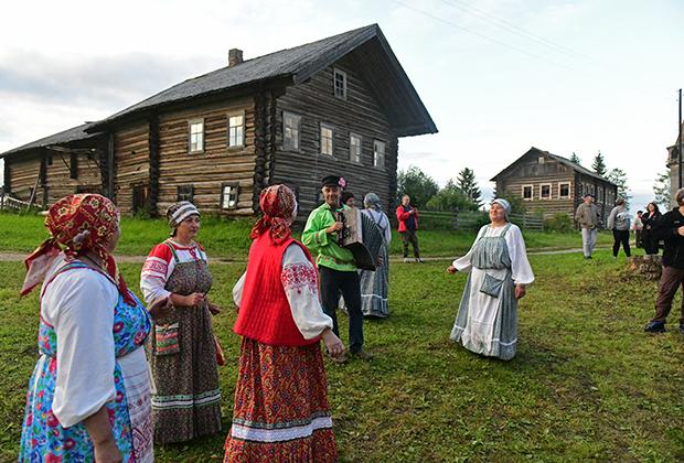Фольклорный ансамбль в Ошевенске