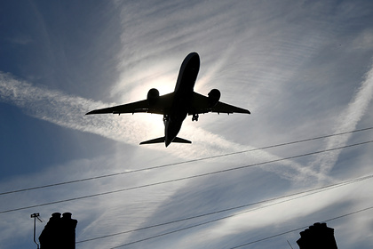 Летевший в Москву российский самолет экстренно сел в другом городе