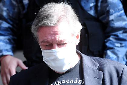 Суд над Ефремовым отложили из-за отсутствия у него адвоката