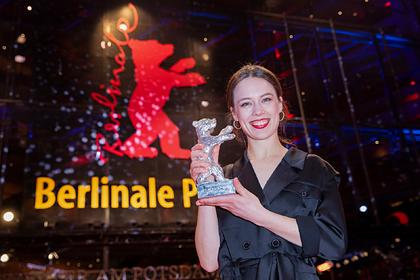На Берлинале решили вручать гендерно-нейтральные награды