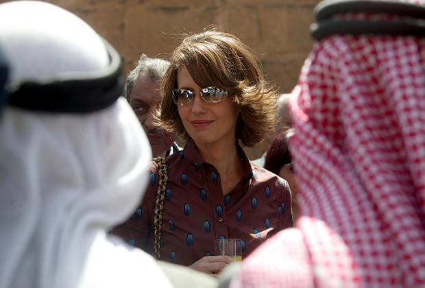 Асма Асад в историческом сирийском городе Босра. Март 2004 года