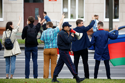 Пресс-служба показала новое фото Лукашенко савтоматом