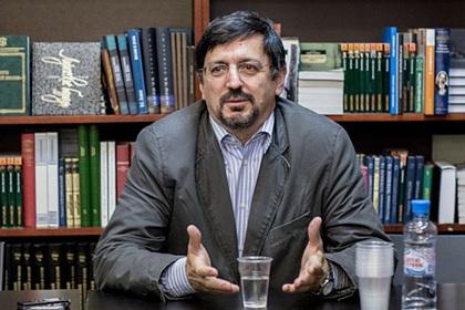 Назвавшего русский язык клоачным профессора ВШЭ уволили
