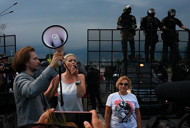 Мария Колесникова на Марше мира и независимости 30 августа