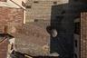 """Мельница <a href=""""https://www.dezeen.com/awards/2020/longlists/ghitello-mill-park-gole-della-breggia/"""" target=""""_blank"""">Мулино дель Гителло</a> (Mulino del Ghitello) расположена у входа в парк «Ущелье Бреджиа», который является одной из самых охраняемых природных территорий Швейцарии. Специалисты из Enrico Sassi Architetto восстановили здесь исторический внутренний дворик и проложили сеть пешеходных дорожек. Также появились образовательные тропы — посетители парка, прогуливаясь по ним, могут больше узнать о природе гор."""