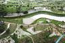 """Архитекторы Mosbach Paysagistes исследовали концепцию «литосферного дизайна» на примере парка <a href=""""https://www.dezeen.com/awards/2020/longlists/phase-shifts-park-central-park/"""" target=""""_blank"""">Phase Shifts</a> (дословно «Сдвиги плит»), который находится в тайваньском городе Тайчжун. Здесь чередуются возвышенности, равнины и впадины. Благодаря такому рельефу в парке появилось 11 «климатических уголков» с разной температурой и влажностью."""