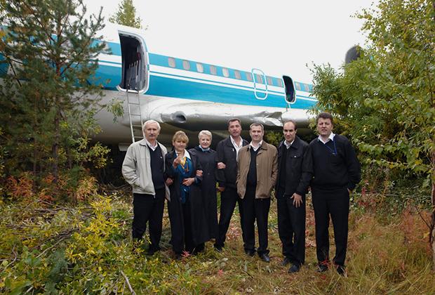 Экипаж аварийного самолета Ту-154, совершившего экстренную посадку на аэродроме в Ижме